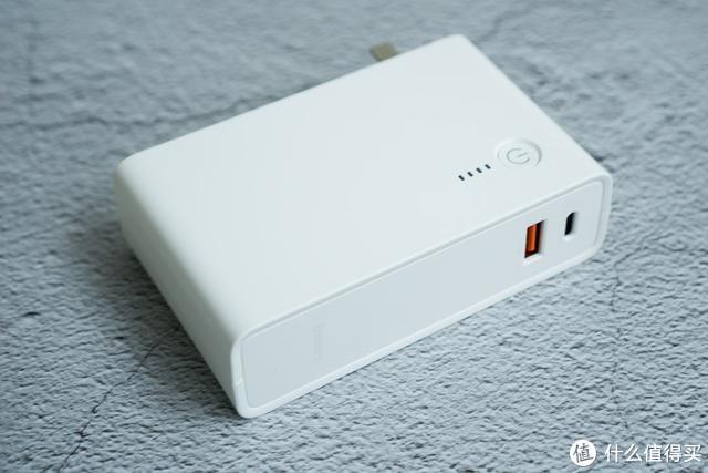10000mAh充电宝+18W PD快充头二合一,倍思能量堆体验