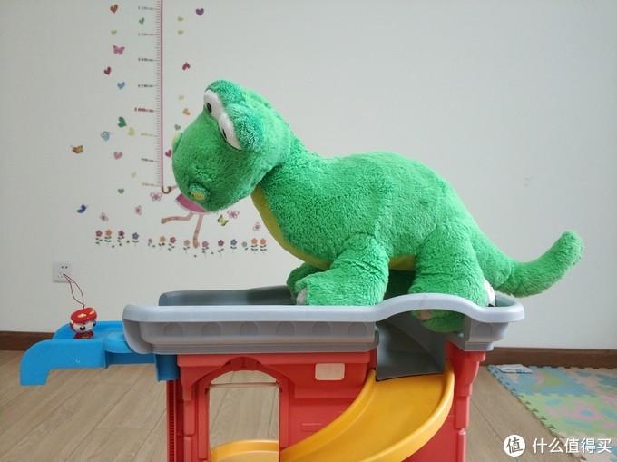 图书馆猿の宅家和妞玩恐龙