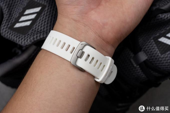 利用跑步动态高阶数据来解锁正确的跑步,协助跑步运动的好帮手:佳明Forerunner 245运动腕表
