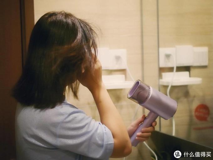 直白水离子护发吹风机,女性首选的高颜值吹风机