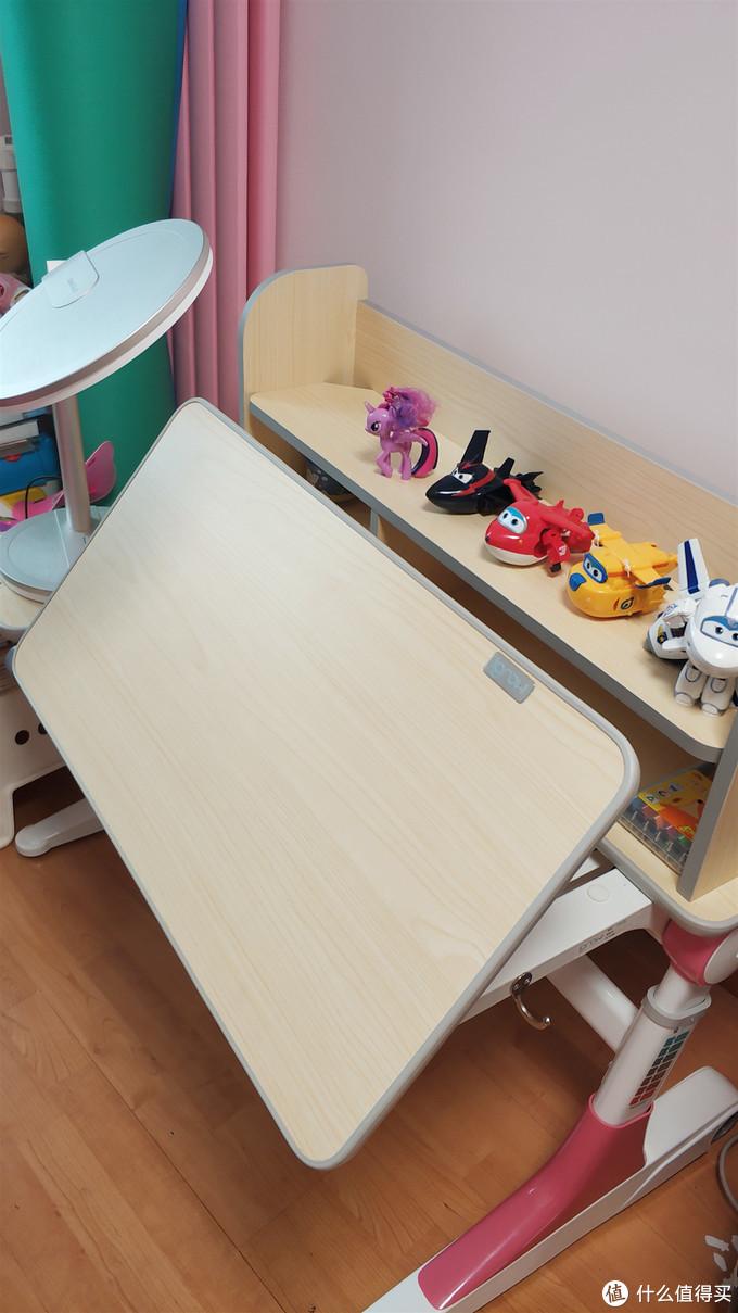 还有一年就要上小学了,说说为幼升小准备的爱果乐儿童学习桌椅