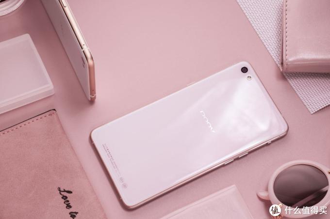 国产手机品牌谁是市场的真正赢家?外媒评论并非华为!