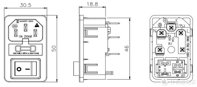荣丰的三合一插座,唯一遗憾就是配的黑色开关没有灯