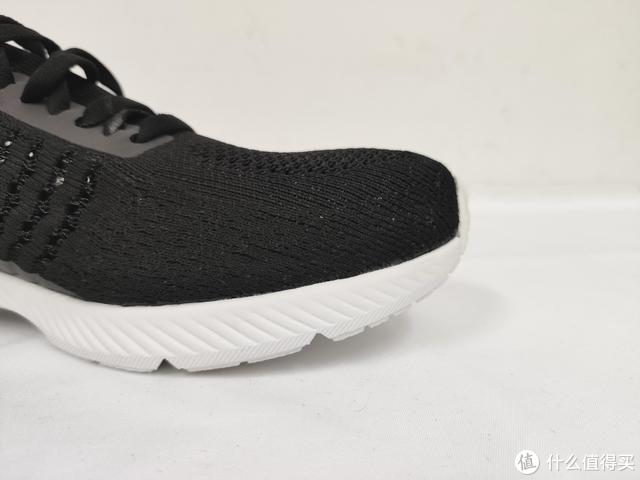 90分极影跑鞋:超轻舒适,抗菌透气,从轻出发