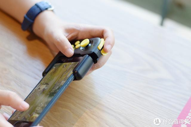 支持一键压枪+一键十枪,北通推出新吃鸡神器H1手柄