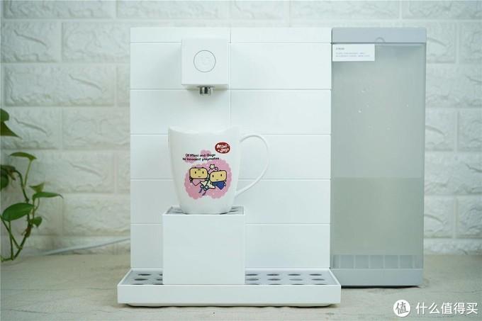 桌面上的即热净饮机,四重过滤即热即饮,家庭生活的好朋友-优点UBER酷巴 智能即热净饮机使用分享  