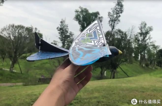 「测评儿童益智玩具」:一款能锻炼注意力,平衡力的黑科技飞行玩具——幻翼鸟