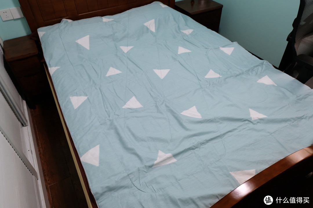 舒适睡眠体验,京造印花蚕丝薄被