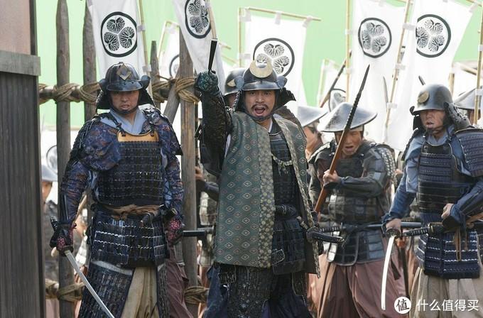 德川军虽然有7000人,然而上田城外修建了大量的防御工事,将德川大军分割成一段一段,使得德川军无法展现出兵力的优势。最后被真田重创。