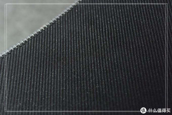 WHAT?布垫也能发光!—赛睿QcKEDGE&PRISM鼠标垫评测