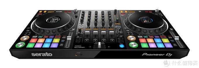 DDJ-1000SRT Serato DJ Pro的4通道专业表演DJ控制器