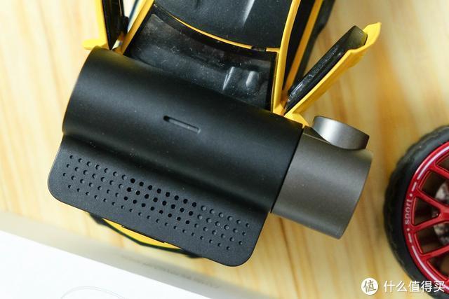 小米又推新品:70迈行车记录仪2测评,1600P高清录制,相当于1080P两倍