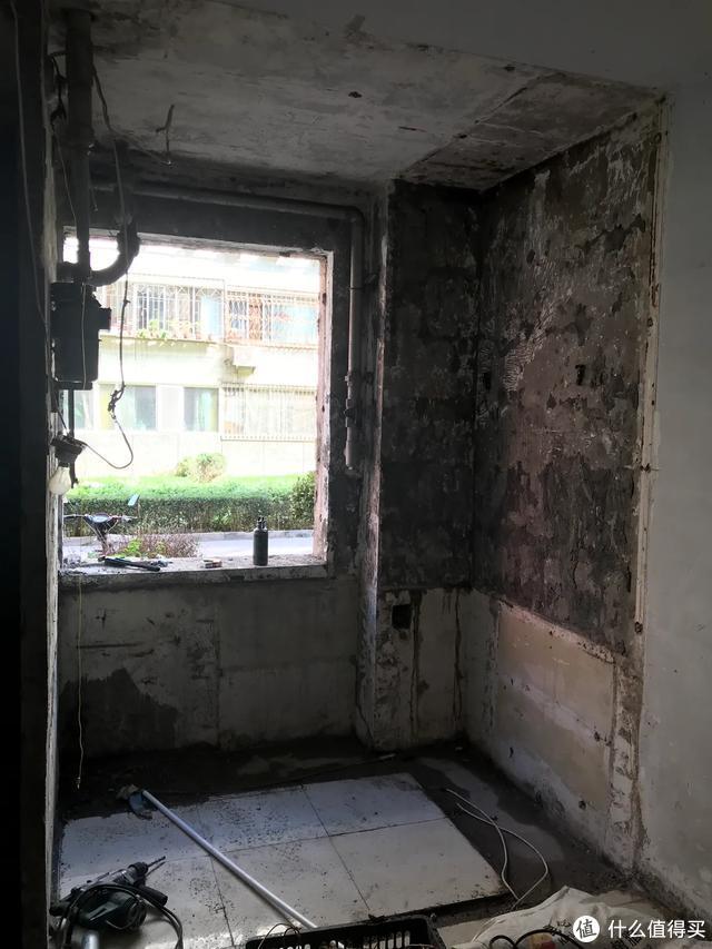 拆除后的厨房