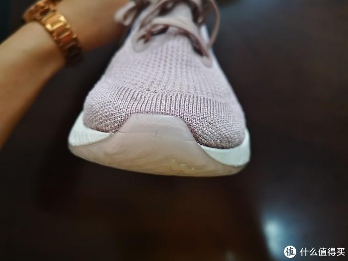 好看又轻便——Nike Epic React Flyknit 跑鞋开箱