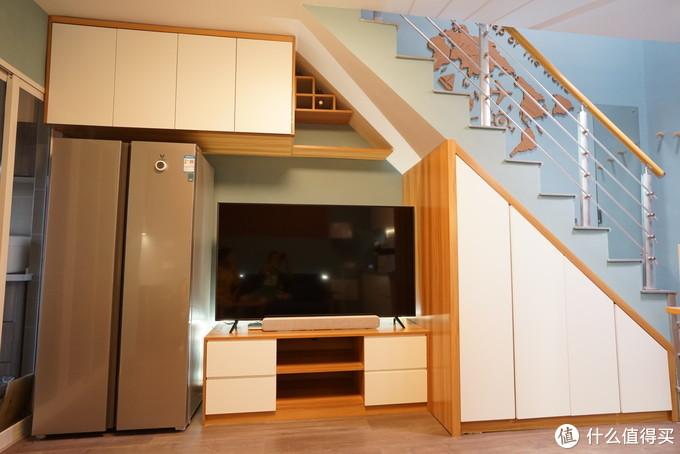 客厅电视柜,云米对开门冰箱和65寸小米电视