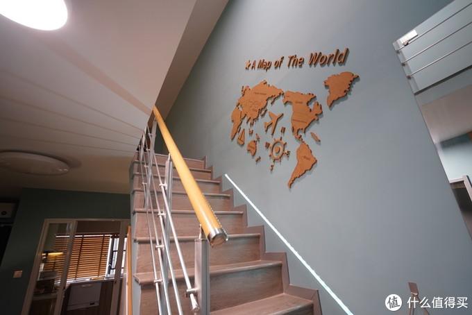 拾级而上,一步步走过世界的角落