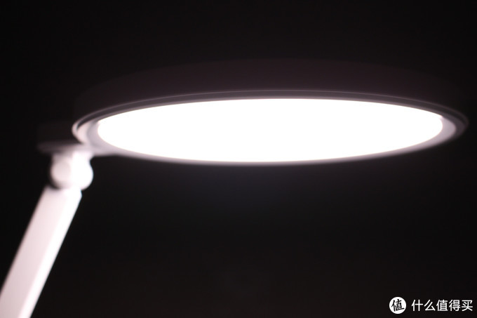 保护孩子视力从使用一款好台灯开始——飞利浦 轩湃 LED台灯体验