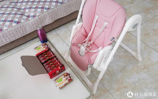 小米有品这把椅子489元,吃饭、学习、睡觉都能用,专为宝宝设计