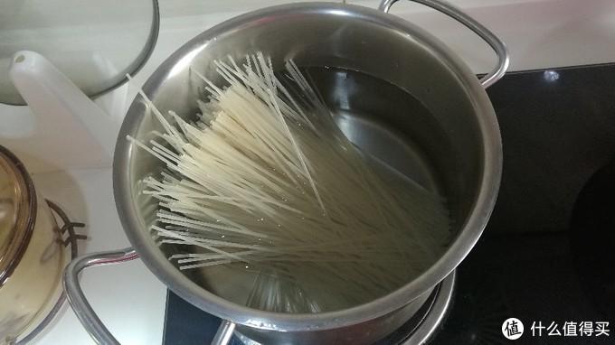 随心所欲、简单粗暴——一个小时搞定番茄牛肉米粉(注意!不是米线!)