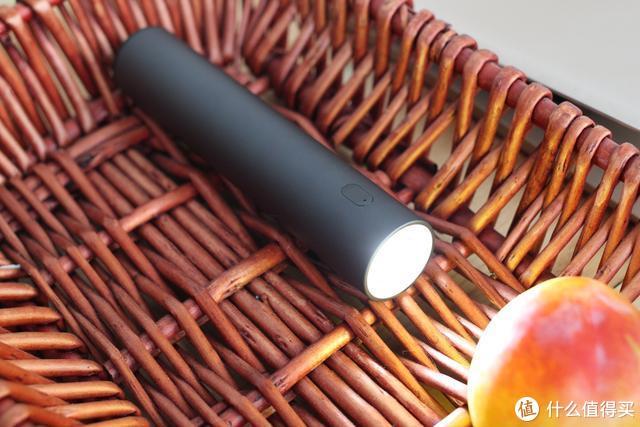 """这是一款身怀""""绝技""""的手电筒,你能猜出它的另一个作用嘛?"""