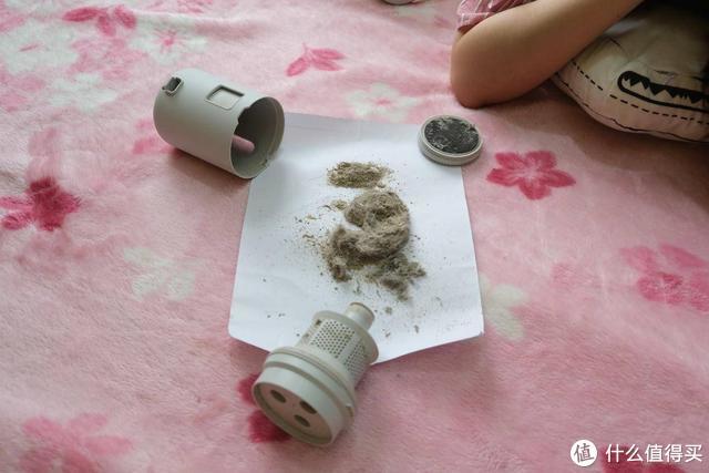 家里的床有多脏?用了米家无线除螨仪,被吸出的脏东西吓到