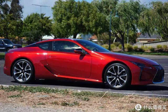 雷克萨斯LC:世间最华丽的GT,也有巨大短板