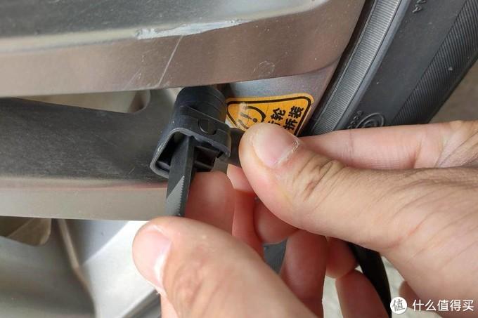 小米生态链新品:70迈汽车轮胎充气泵,一体化设计真方便
