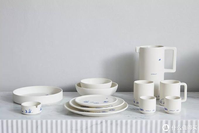 """Off-White™ 正式发布首个 """"HOME"""" 家居产品系列"""