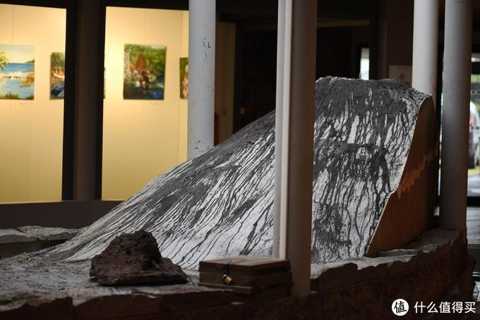 一进来先是一个关于火山的艺术品
