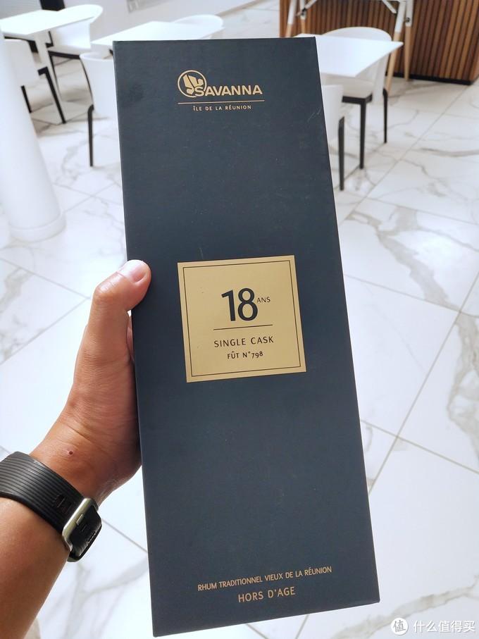 这瓶170欧,尝了一下,一口立刻可以品出和普通酒的不同,醇厚和绵长的口感,那些2-3年的酒根本比不上。