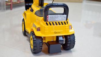 QBORN儿童挖掘机使用总结(抓地力|稳定性|承重|控制|充电)