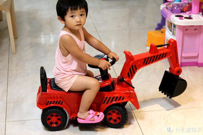 小米推出QBORN儿童挖掘机,可操控挖臂挖斗,电动油门安全防撞