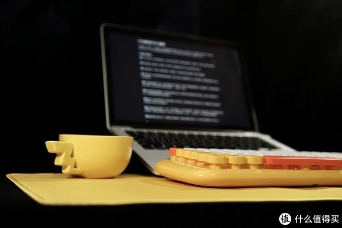 皮卡丘爱好者可入的一套装备 -- 威漫萌心鼠键套装&&皮卡丘抱枕
