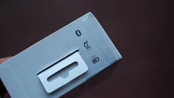 omthing便携户外蓝牙音箱外观展示(充电线|挂绳|指示灯|开关|防尘盖)