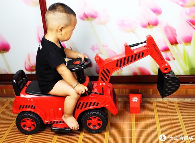 极具可玩性的宝糖儿童挖掘机电动版轻体验