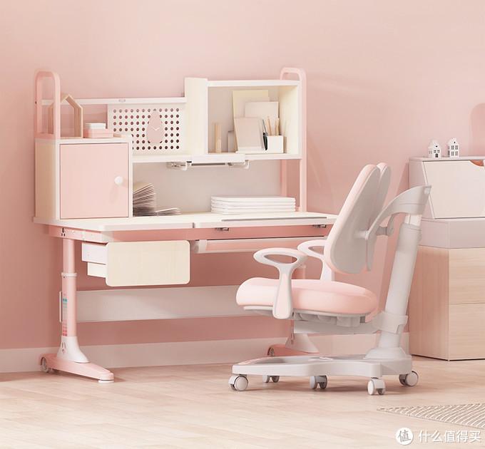 现在的桌椅,颜值上面提高了一大块,功能上面也更加先进!