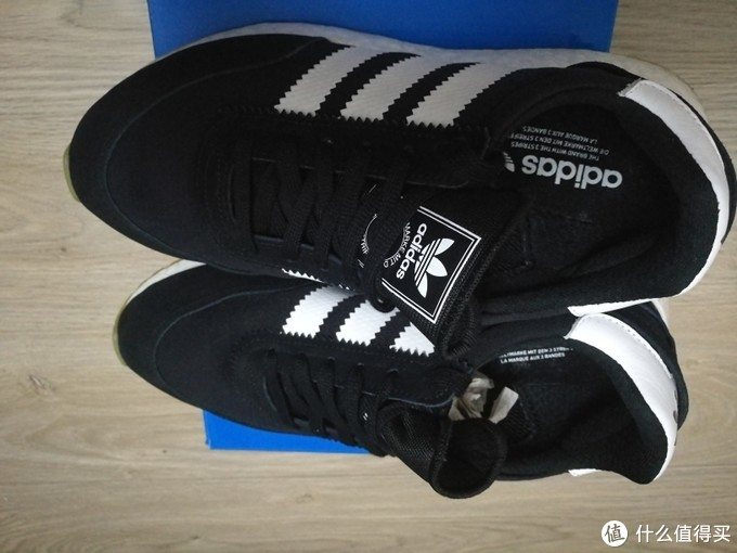 晒一晒FootLocker入的Adidas复古鞋i5923