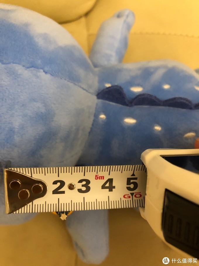 六角螺絲頭的直徑大約3mm