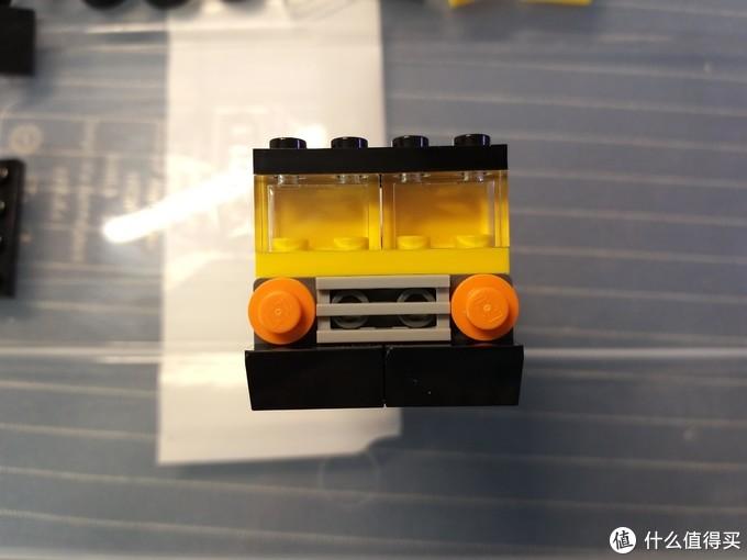 带驾驶室的车头凸显了细节程度