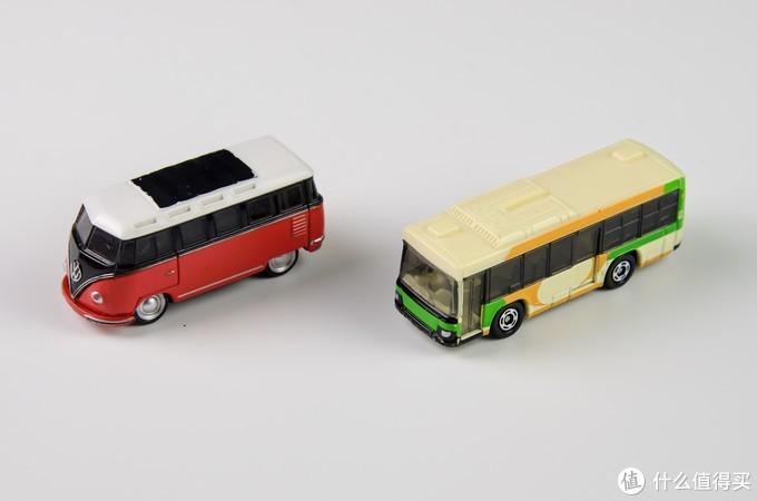 左面黑盒35,右面红白盒23