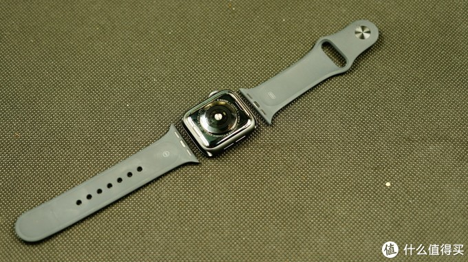 不仅仅是时尚:体验Apple Watch Series 4智能手表 GPS款 40毫米深空灰色