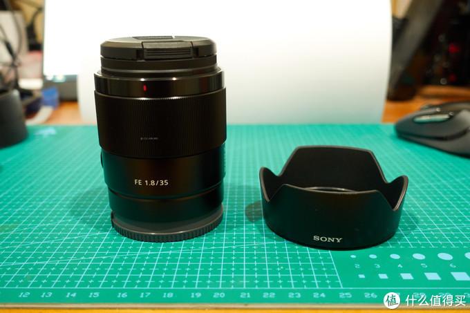 索尼新品35mm F1.8全画幅镜头开箱