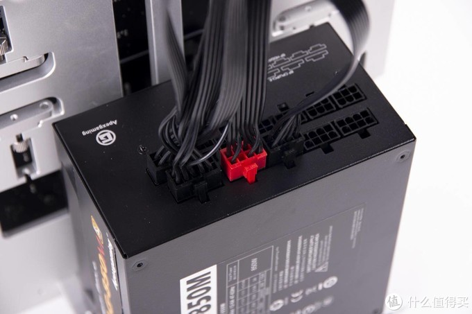 每瓦特不足0.6元,为游戏升级艾湃电竞AG-850M全模组电源