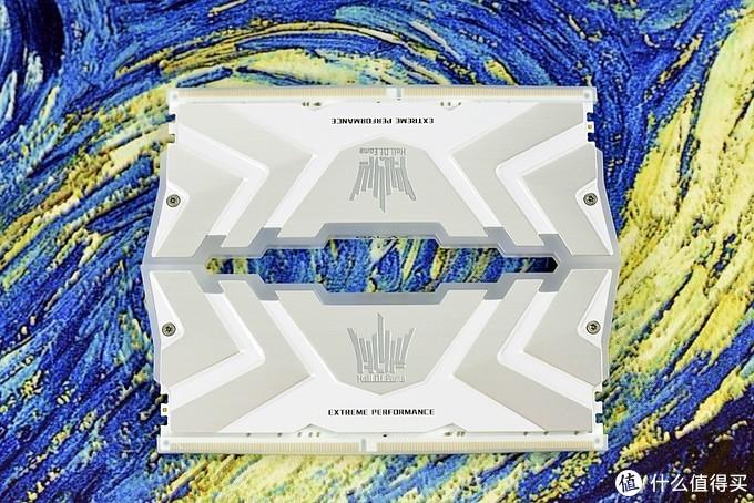 小姐姐的影驰名人堂 HOF II DDR4-3600 台式机RGB内存 让人心潮澎湃