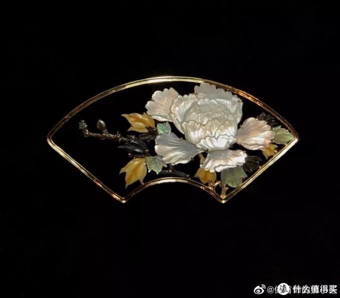 超美!杭州80后珠宝设计师被时尚圈热捧,易烊千玺、周冬雨、辛芷蕾都用他的作品做大片配饰!