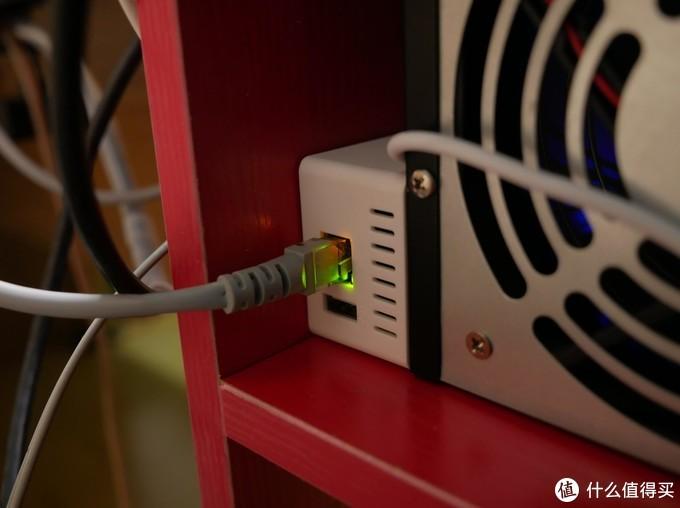 ▲网线接口有指示灯