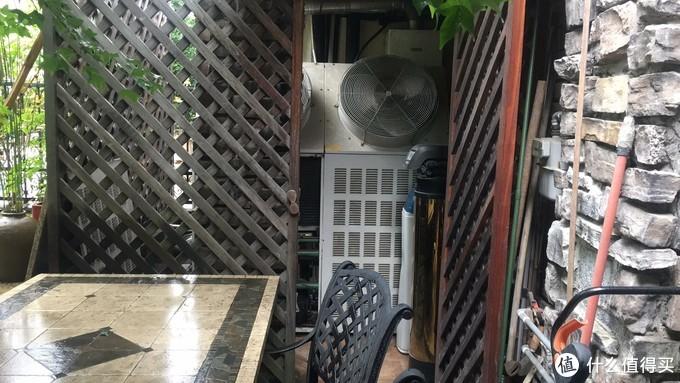 """我们中国这估计是是全世界,为数不多喜欢把""""中央空调""""给包到设备房里面去的国家!画蛇添足!"""