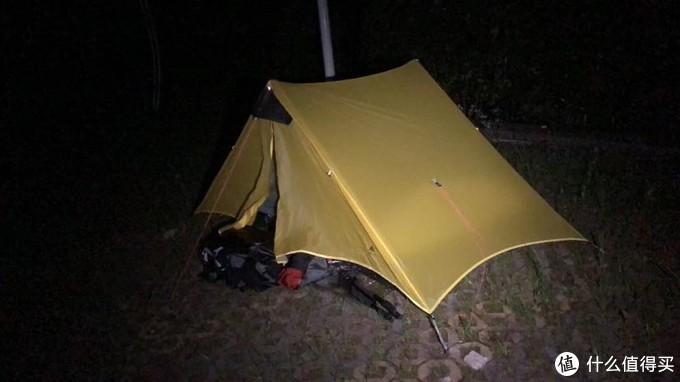 露营地在景区大巴站旁边
