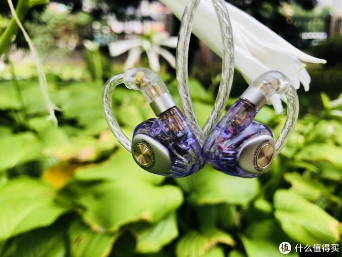 兴戈洛神EM2是入门级HIFI耳机的佼佼者