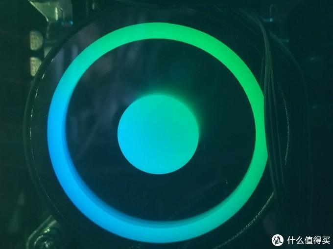 RGB灯效随心切换,简单易上手的海神240水冷散热器体验